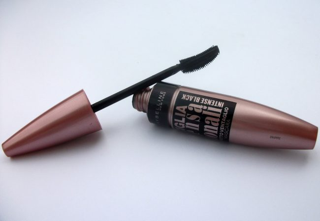 Wide range of possibilities. Mascara Lash Sensational Intense Black from Maybelline.